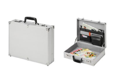 twee Aluminium koffers, open en dicht