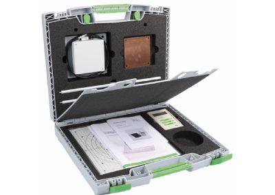 kunststof koffer met inlay en scheidings schot