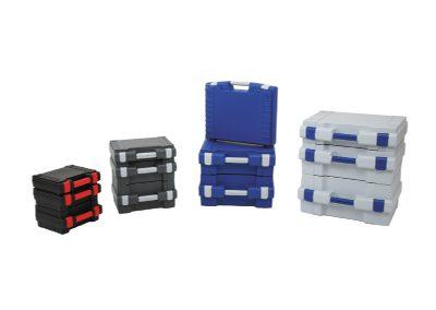 standaard kunststof koffers in verschillende kleuren en formaten